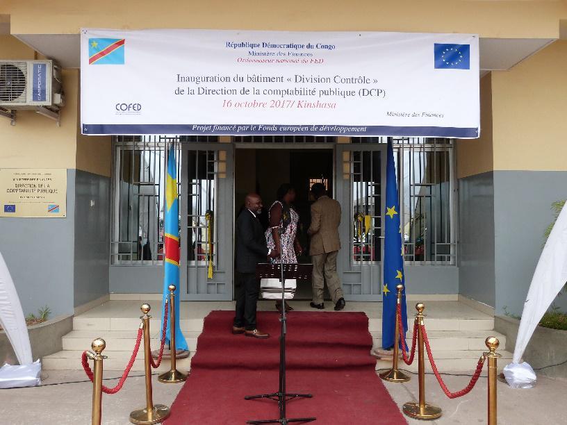 À l'occasion de la cérémonie de remise officielle du bâtiment de Direction de la Comptabilité Publique du programme (PAMFIP)